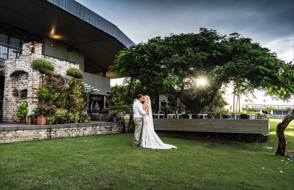 Weddings at Sandstone Point Hotel