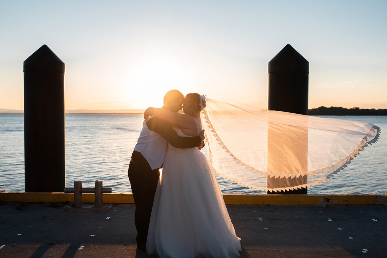 Wedding veil pros and cons